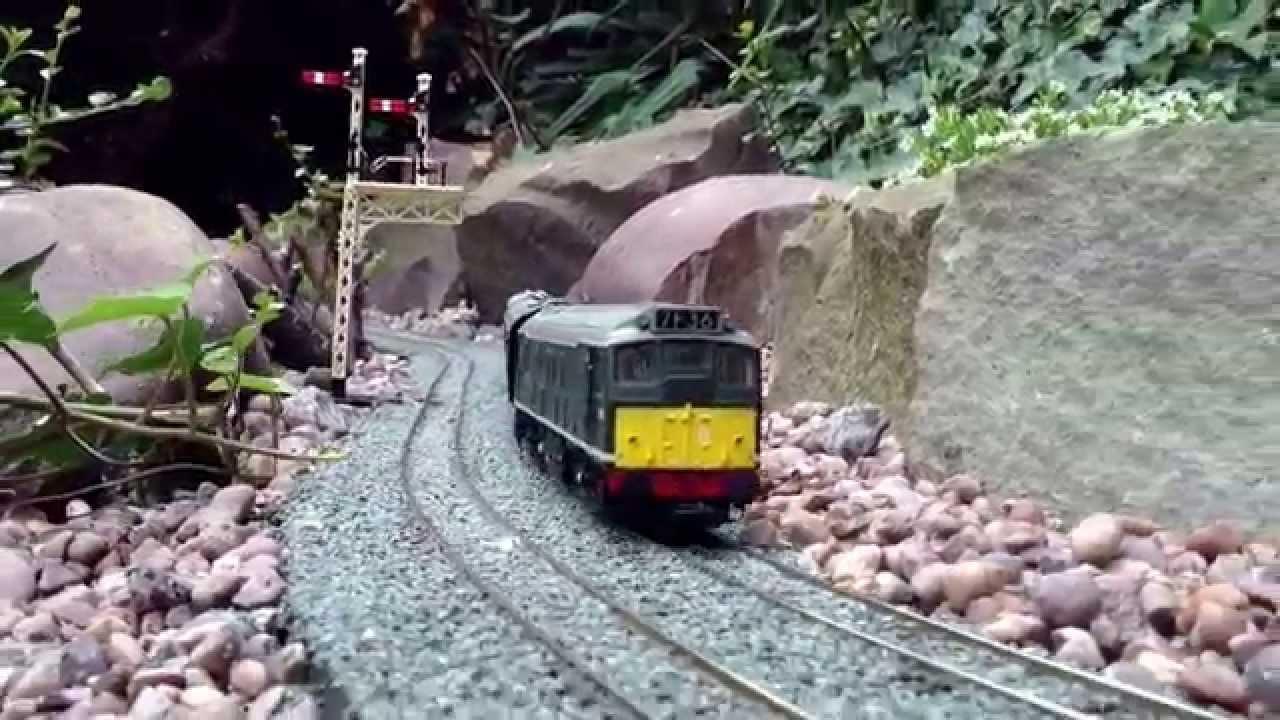 Great OO Gauge Garden Railway.   YouTube