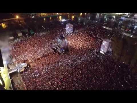 Miles de personas en Tecnópolis celebrando la Jesus Fest 2015