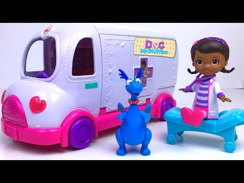 STORY WITH DOC MCSTUFFINS TOY HOSPITAL MOBILE CLINIC