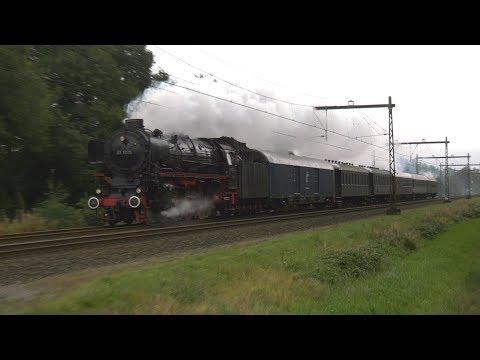 Steam train / Stoomtrein 01 1075 (SSN) passeert Tynaarlo Drenthe (4K film)
