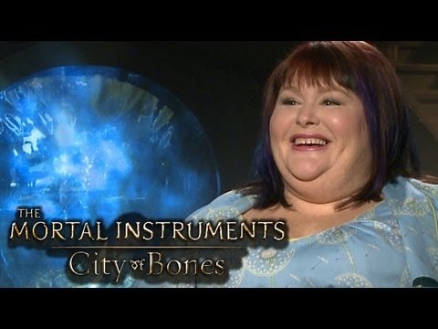 The Mortal Instruments: City of Bones- AUTHOR CASSANDRA CLARE (Interview)