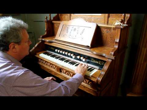 Oak Eastlake Story & Clark Chicago Pump / Reed Organ