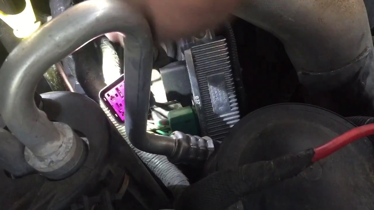 how to replace the glow plug control module in a diesel pick up [ 1280 x 720 Pixel ]