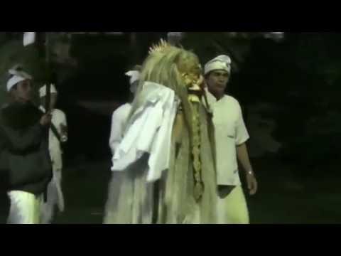 Tapakan Br.Anyar Penebel  Nunas Pasupati Ring  PURA TAMBAWARAS 2016