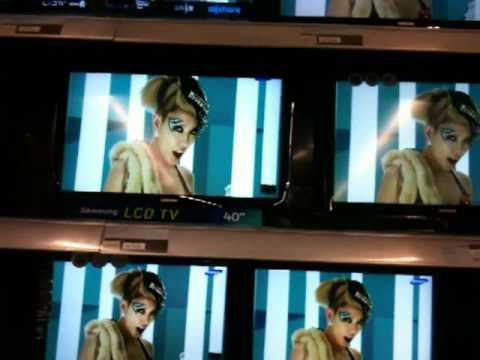 kpop music in a algerian commercial center