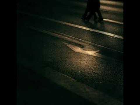 Chris De Burgh - A Rainy Night In Paris
