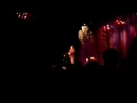 Nick Offerman (Ron Swanson) singing