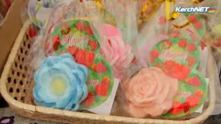 На центральном рынке Керчи подарки к 8 марта на любой вкус и кошелек