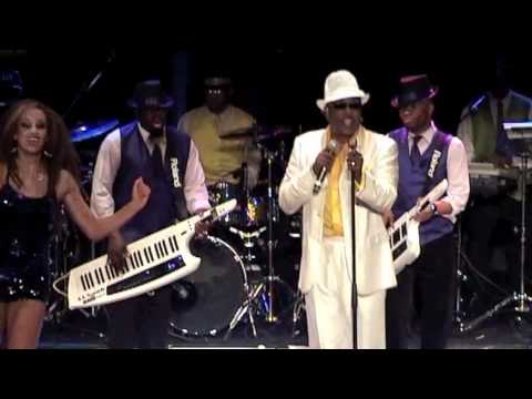 GAP BAND CHARLIE WILSON live TRIANON You dropped a bomb on me 17 sept 2011