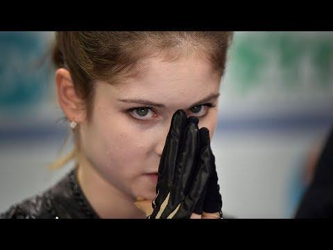 Julia Lipnitskaia Skates Through Cramp at Grand Prix of Russia 2016