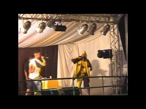 MC LEOZINHO DO RECIFE - BAILE FUNK NO GIGANTE DO SAMBA