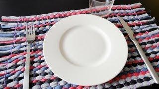 T-shirt Yarn Tablecloth Tutorial