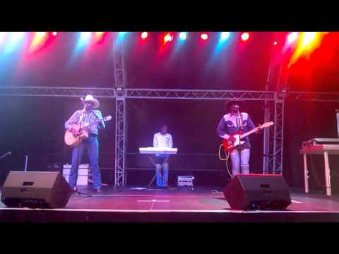 BAD MOON RISING - DUSTY & STONES (from SWAZILAND, AFRICA)