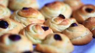 Рецепт булочек с корицей. Рецепт плюшек(Рецепт приготовления булочек с корицей и плюшек к чаю, смотри на нашем сайте http://kapreze.com/?p=108 Ингредиенты:..., 2015-03-29T16:50:13.000Z)
