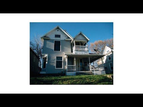 Shooting On A $15 Digital Camera - Street Photography (POV)