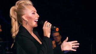 Смотреть клип Lepa Brena - Live - Sta Ce Mi Zivot