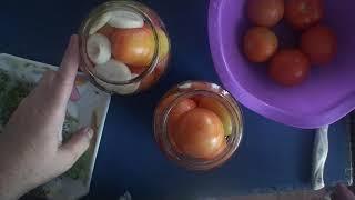 Рецепт: Бурые маринованные помидоры для салата