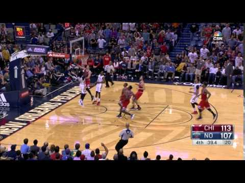Paul Zipser with a HUGE block to help the Bulls beat the Pelicans!