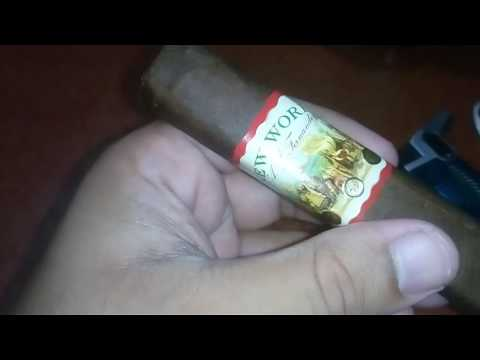New World​ Cigar Churchill boxed pressed