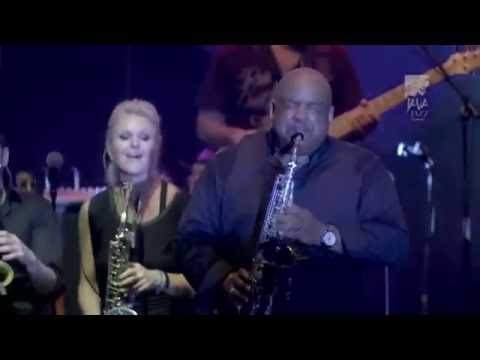"Gerald albright Sax solo ""I feel good"""