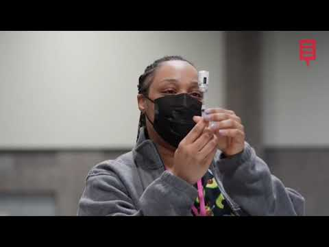 EE.UU.  recomienda que los vacunados dejen de llevar mascarilla al aire libre