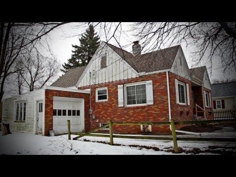 Peoria Insider Show Homes: 111 Gardena Avenue in East Peoria IL
