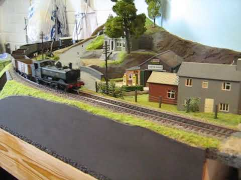 Stock testing – several kits and home painted wagons on St Oval