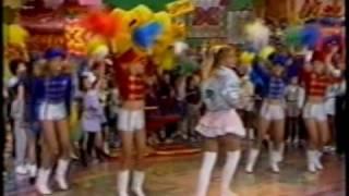 """Xou da Xuxa: Xuxa canta trecho de """"Canja de Galinha"""" (colagem)"""
