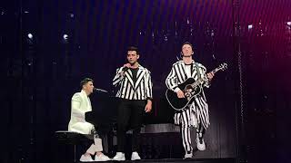 Jonas Brothers - Comeback/When You Look Me In The Eyes - Miami 4K