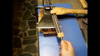 Gambar cover Как правильно заточить топор. Как точно выставить угол. How To Sharpen an Axe.