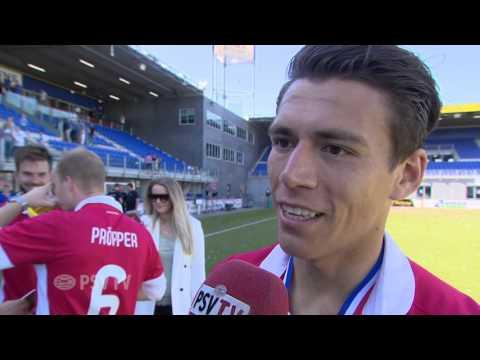 Hector Moreno celebrates championship