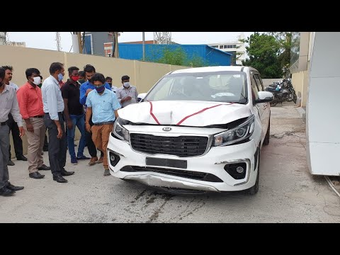 ACCIDENT !! Delivery of Kia Carnival Gone WRONG !! | Airbags triggered in right time ?? Sad Moment