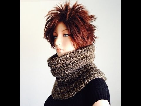 30 Minutes Project 1: How to Crochet a Chunky Neck Warmer using Double Crochet