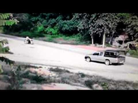 โจรใต้ฟาตอนีกราดยิง วางระเบิดเทศบาลตำบลมะกรูด 13 09 57