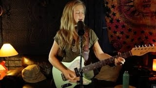 Baixar Emily Elbert - What's Going On (Marvin Gaye cover live at Studio Delux)
