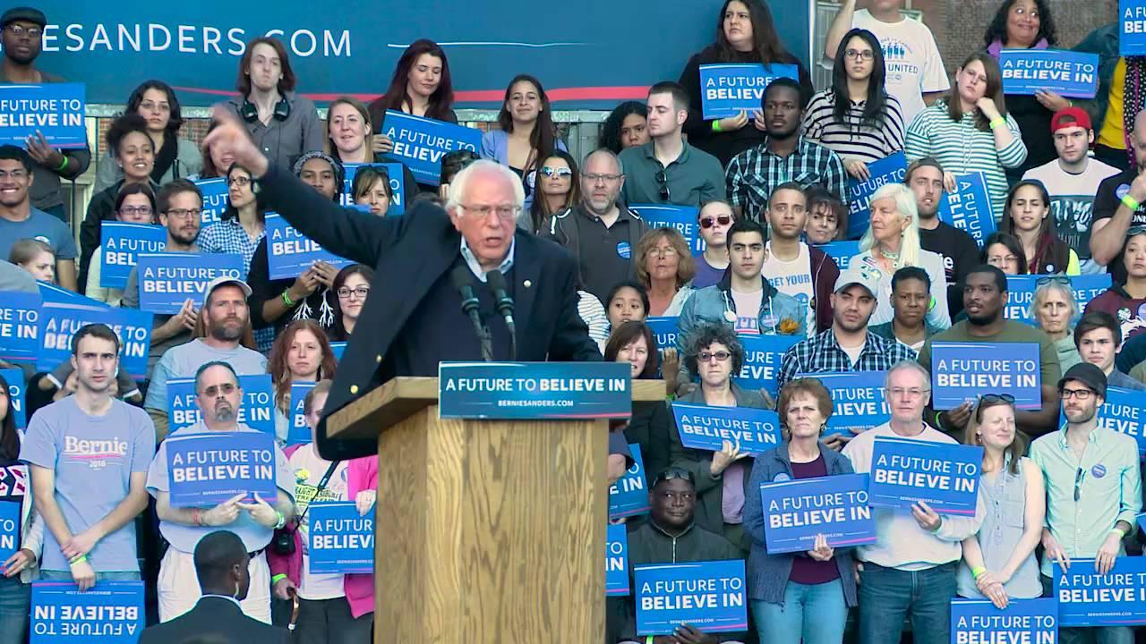 Bernie Sanders' Extremely Practical Inauguration Look