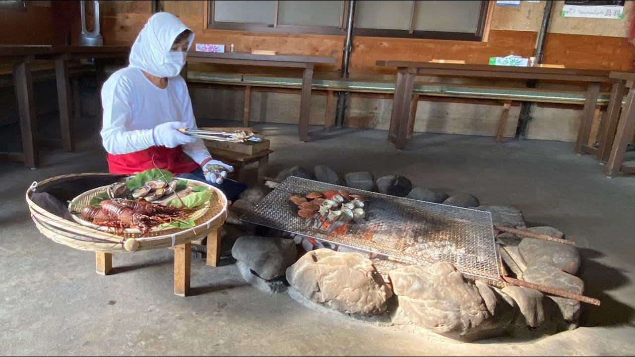 Ama Hut Seafood Dining Experience with Japan's Traditional Female Divers