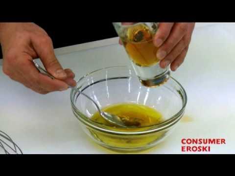 T cnicas b sicas de cocina c mo hacer vinagreta youtube for Tecnicas basicas de cocina libro