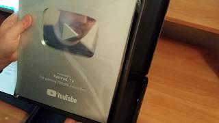 Распаковка и обзор кнопки YouTube!| 100 000 Подписчиков!| Новый дизайн кнопки!