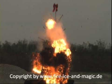Weihnachtsbaum Explodiert.Weihnachtsbaum Explosion Wmv