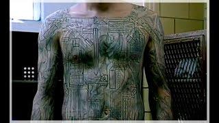 Michael shows Prison Tatoo to Lincoln - Prison Break