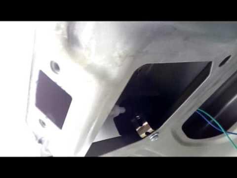 Электропривод на открытие багажника Рено Логан.