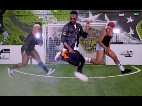 Ofondéfilé ( world cup 2018 ) Charles V feat. Serge Beynaud , Bebi Philip & général Kalash