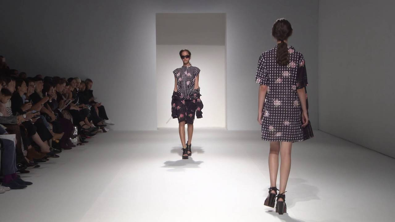 363f271e76 Chalayan Spring Summer 2017 Room Tone - YouTube