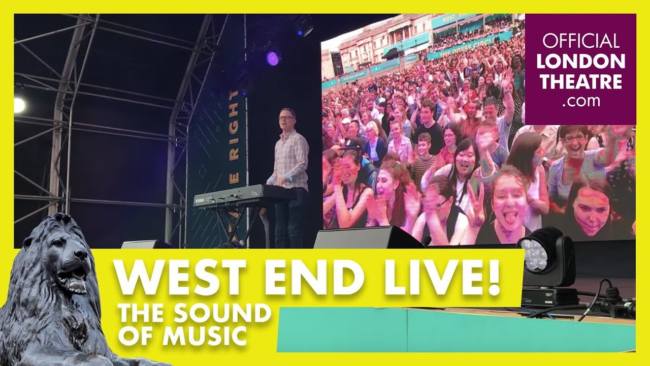 West End Live 2018 - The crowd sings along to The Sound of Music with Ben Stock