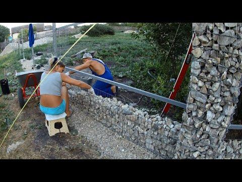 Забор из камня своими руками видео