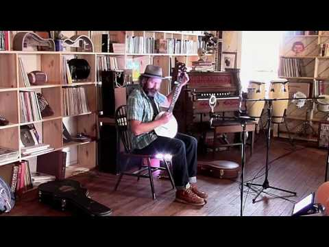 Lou Shields: The Bookstore Sessions (Part 1) Mp3