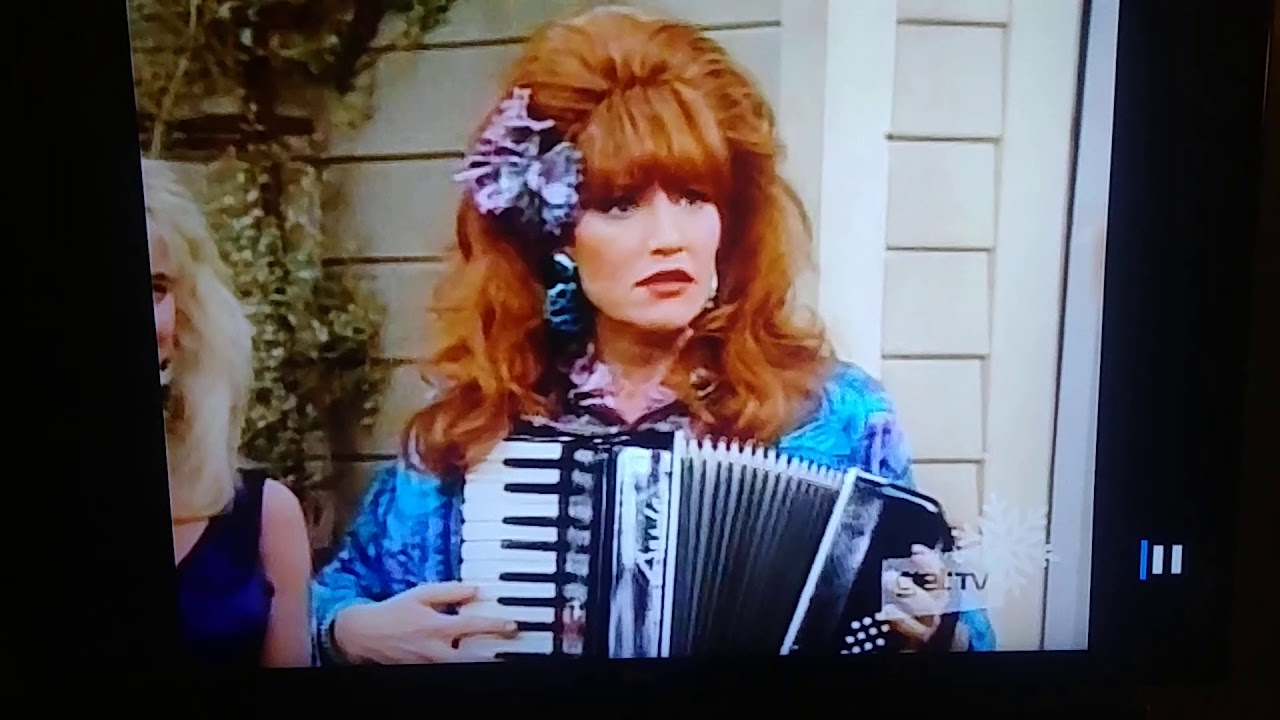 Um Peggy Bundy, Didnt you wear this outfit already? 👌😹