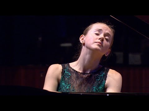 W. A. Mozart: Concerto No.26 in D Major K.537  -  Oxana Shevchenko