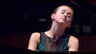 W. A. Mozart: Concerto No.26 in D Major K.537  -  Oxana Shevchenko